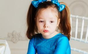 ילד כועס בתחפושת (צילום: Shutterstock)