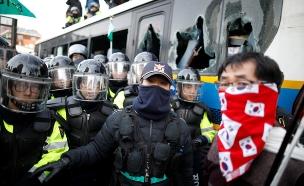 אחרי ההדחה: מתיחות צבאית בקוריאה (צילום: רויטרס)