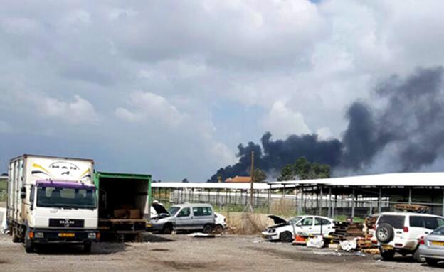 זירת הפיצוץ באזור תל מונד (צילום: קבוצת פסגת המעודכנים)