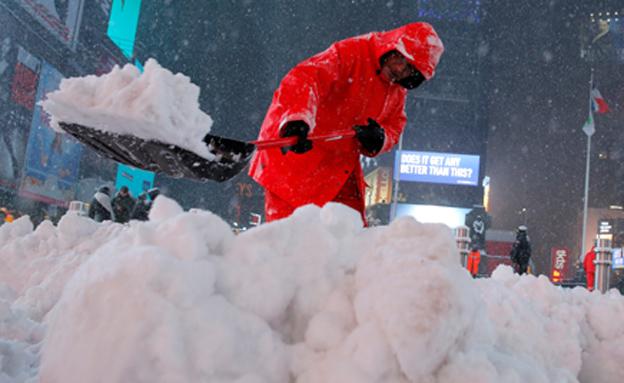 סופת שלגים במזרח ארצות הברית (צילום: רויטרס)