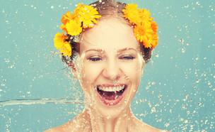 שטיפת פנים (צילום: Shutterstock)