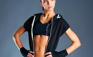 אישה בבגדי ספורט (צילום: S_L, Shutterstock)