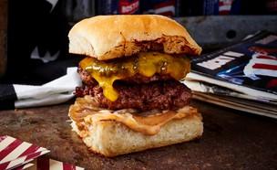 אמריקה - המבורגר סיי צ'יז (עיצוב: בן יוסטר, אוכל טוב)