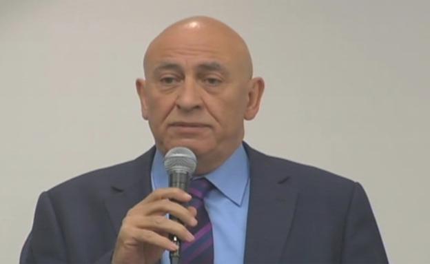 גטאר במסיבת העיתונאים בשישי (צילום: חדשות 2)