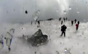 תיעוד רגעי ההתפרצות והאימה (צילום: CNN)