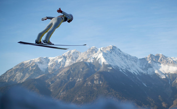 קופץ סקי באינסברוק באוסטריה (צילום: Adam Pretty, GettyImages IL)