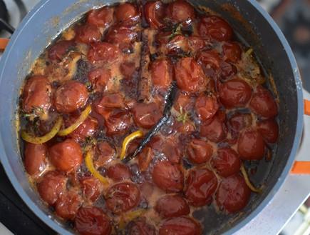 ריבת עגבניות ופלפל שחור