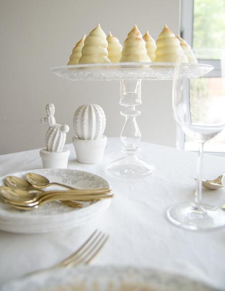 מתנות נועה, מעמד לעוגה (3) (צילום: נועה קליין)