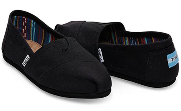 תמרמור01, נעליים של המותג Toms, מחיר-249 שקל (צילום: storyonline.co.il)