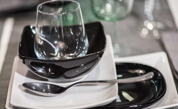 שולחן פסח איקאה, המודרני (4) (צילום: גלעד רדט)
