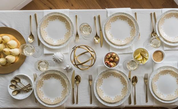 שולחן פסח שקל, המוזהב (10) (צילום: גלעד רדט)