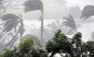 הסופה דבי  - אלפים פונו (צילום: סקיי ניוז)