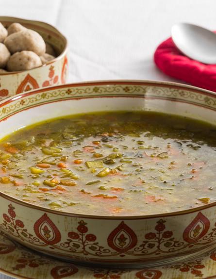 מרק ירקות עם קניידלך (צילום: בני גם זו לטובה, אוכל טוב)