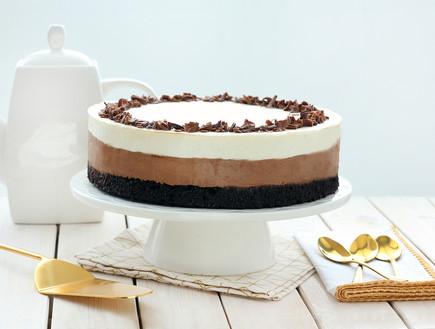 עוגת בראוני וקרם שני שוקולדים (צילום: ענבל לביא, אוכל טוב)