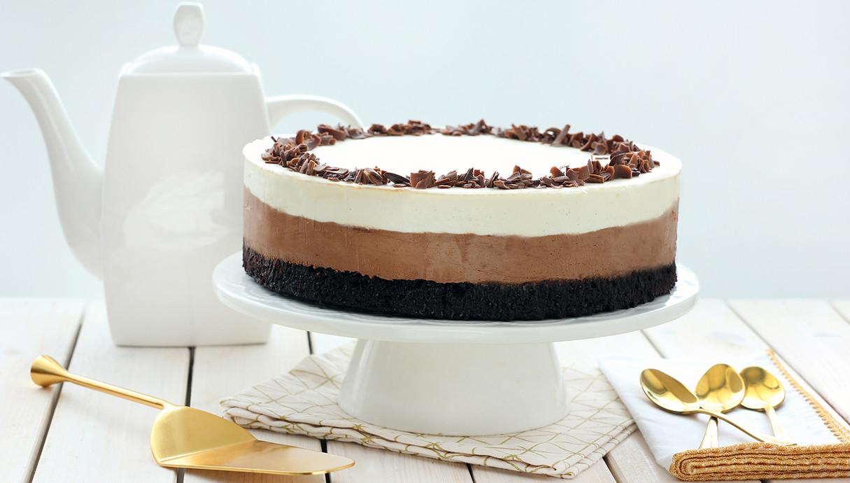 עוגת בראוני וקרם שני שוקולדים