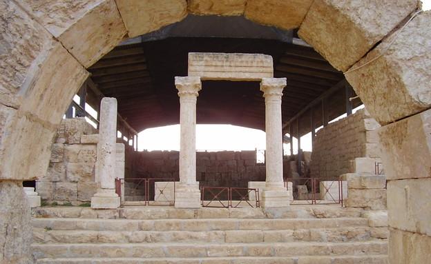 עמודי סוסיא (צילום: סוסיא הקדומה)