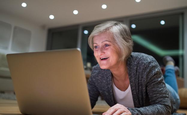 מבוגרים פותחים סטארט אפ (אילוסטרציה: Shutterstock)