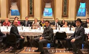 צוות הבית הלבן חוגג ליל הסדר, הערב (צילום: טוויטר)