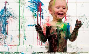 ילד מצייר על הגוף (צילום: realsimple.com)
