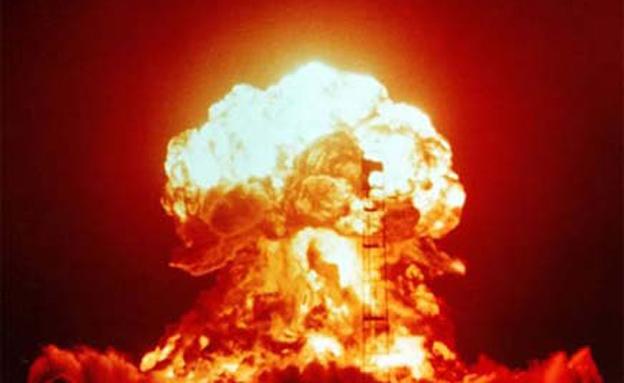 """""""אם כל הפצצות"""" (צילום: solidprinciples)"""