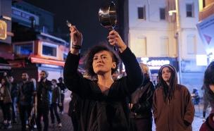 הפגנות נגד משאל העם (צילום: רויטרס)