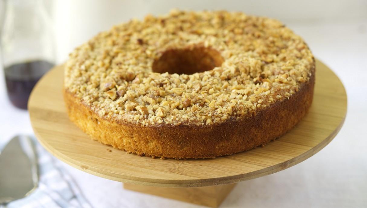 עוגת מייפל יוגורט אגוזים  (צילום: קרן אגם, אוכל טוב)