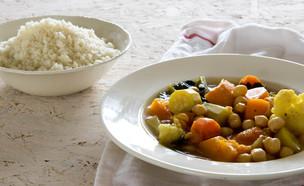 מרק ירקות לקוסקוס (צילום: ענבל כבירי, אוכל טוב)