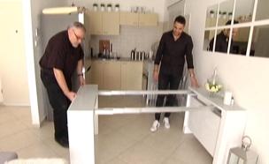 """""""שווה בדיקה"""": רהיטים קומפקטיים (צילום: חדשות 2)"""