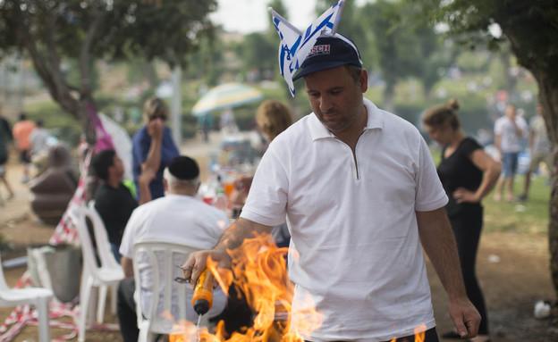 מנגל בירושלים ביום העצמאות ה-66 2014  (צילום: יונתן סינדל, פלאש 90)