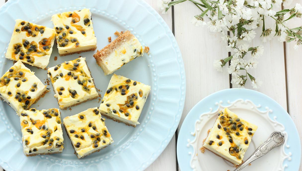 קוביות עוגת גבינה ופסיפלורה