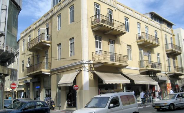 בתים מבפנים, בית גבריאלוביץ', הבניין בדרך יפו (צילום: אביעד בר נס)
