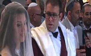 הזוג חזן בחתונה. עסקה משתלמת במיוחד (צילום: אתר ערוץ 7)