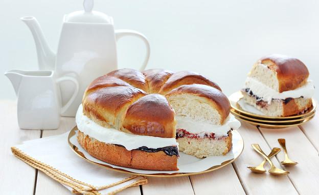 עוגת שמרים עם קרם מסקרפונה (צילום: ענבל לביא)