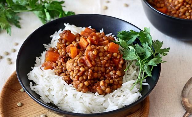 תבשיל עדשים מתובל (צילום: נטע-חן ליבנה, אוכל טוב)