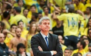 בגצקיס המאמן הרביעי העונה של מכבי (צילום: פלאש 90)