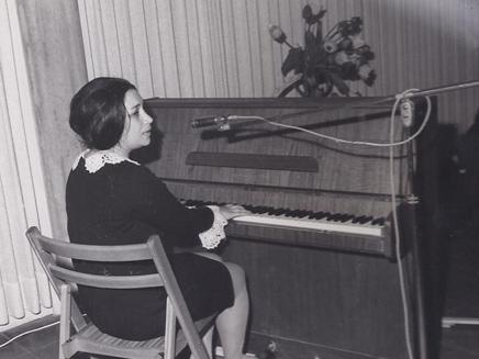 נעמי שמר מופיעה בפני חיילים, 1967