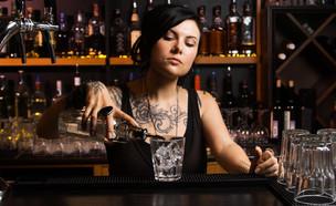 ברמנית (צילום: Shutterstock)