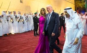 טראמפ ורעייתו בערב הסעודית (צילום: רויטרס)