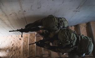 """אימון חטיבת הצנחנים בחריש (צילום: דובר צה""""ל )"""