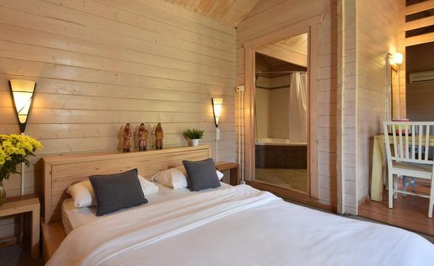 הווילג' מלון מטיילים על הירדן