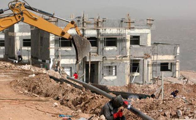 בנייה בשטחים. (ארכיון) (צילום: רויטרס)