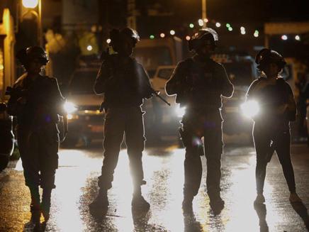 כוחות משטרה מיוחדים בכפר קאסם, השבוע (צילום: אהרון קראהן/TPS)