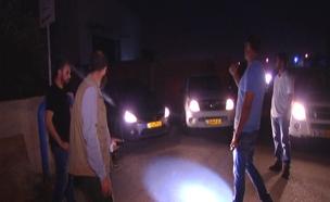 שמירה במקום משטרה. לילה בכפר קאסם (צילום: חדשות2)
