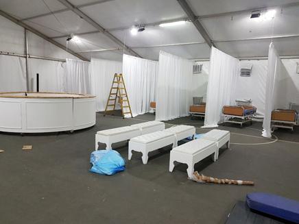 מבט לתוך אוהל המחאה (צילום: בית חולים שדה ילדי הדסה)