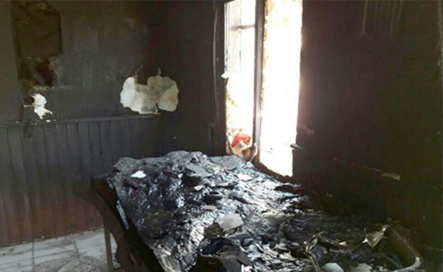 המשרדים לאחר השריפה (צילום: דוברות משטרה)