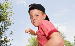 ילד כועס  (צילום: Suzanne Tucker, Shutterstock)