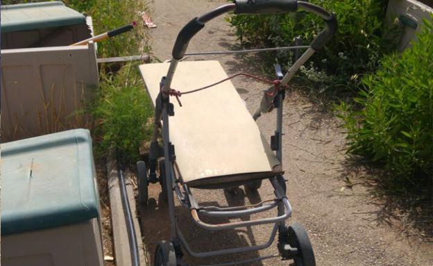 העגלה בה השתמשו הנאשמים (צילום: דוברות המשטרה)