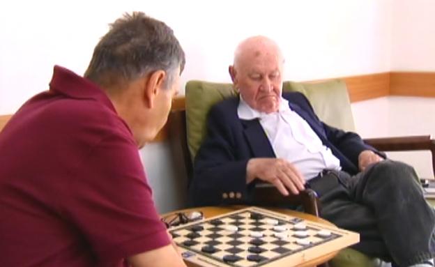 הכירו: הגמלאים שעוזרים לקשישים (צילום: חדשות 2)