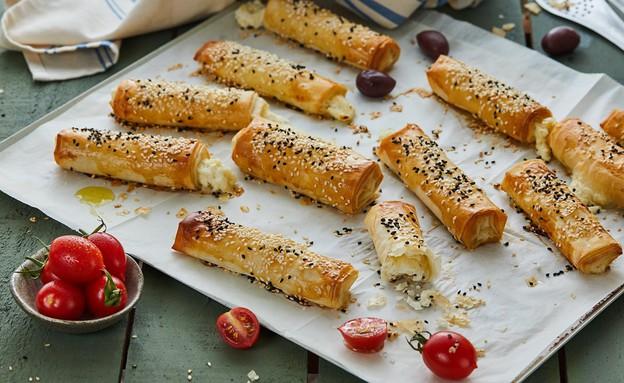 מאפי פילו ממולאים גבינה (צילום: אמיר מנחם, אוכל טוב)