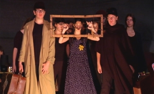 הצגת התיאטרון על ניצולי השואה (צילום: חדשות 2)
